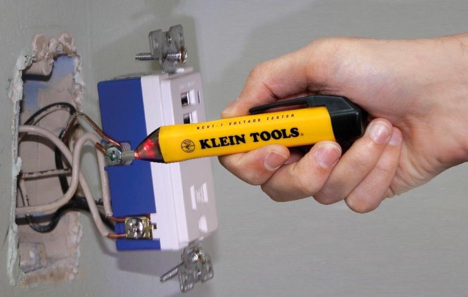 Klein Tools Voltage Tester