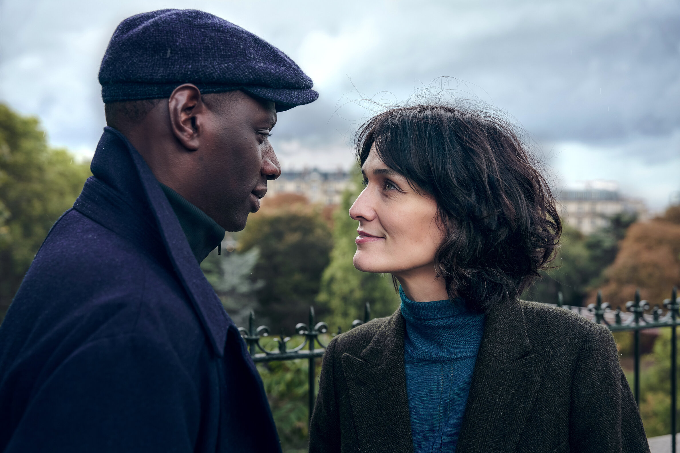 This stylish French crime thriller is rocketing to the top of the Netflix charts thumbnail