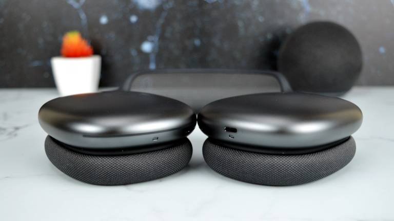 AirPods Max Flat