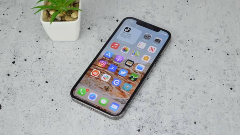 ऐप्पल आईफोन 12 प्रो मेन