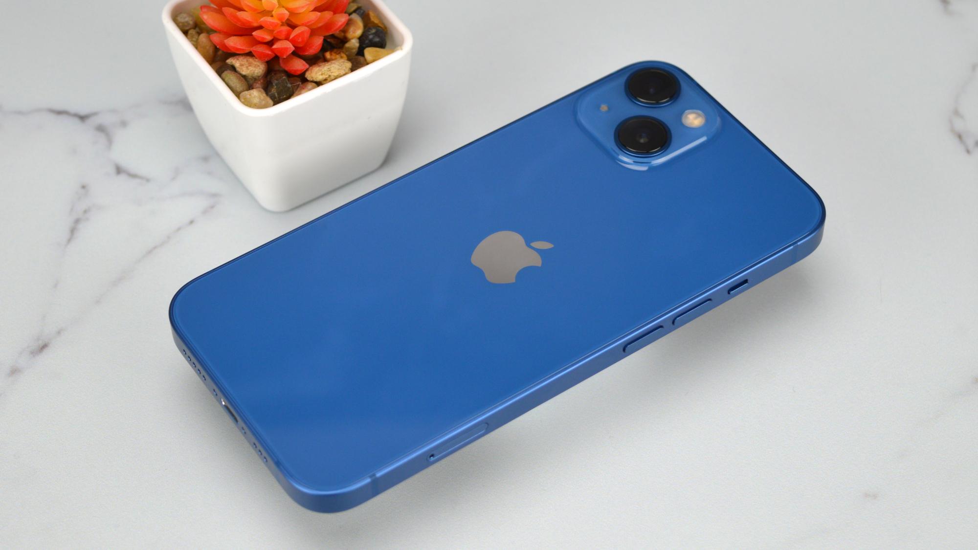 Apple iPhone 13 Back