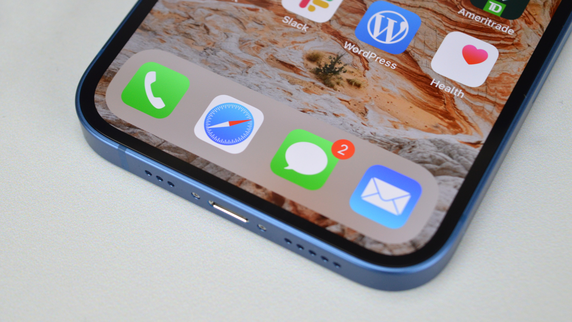 Apple iPhone 13 Software