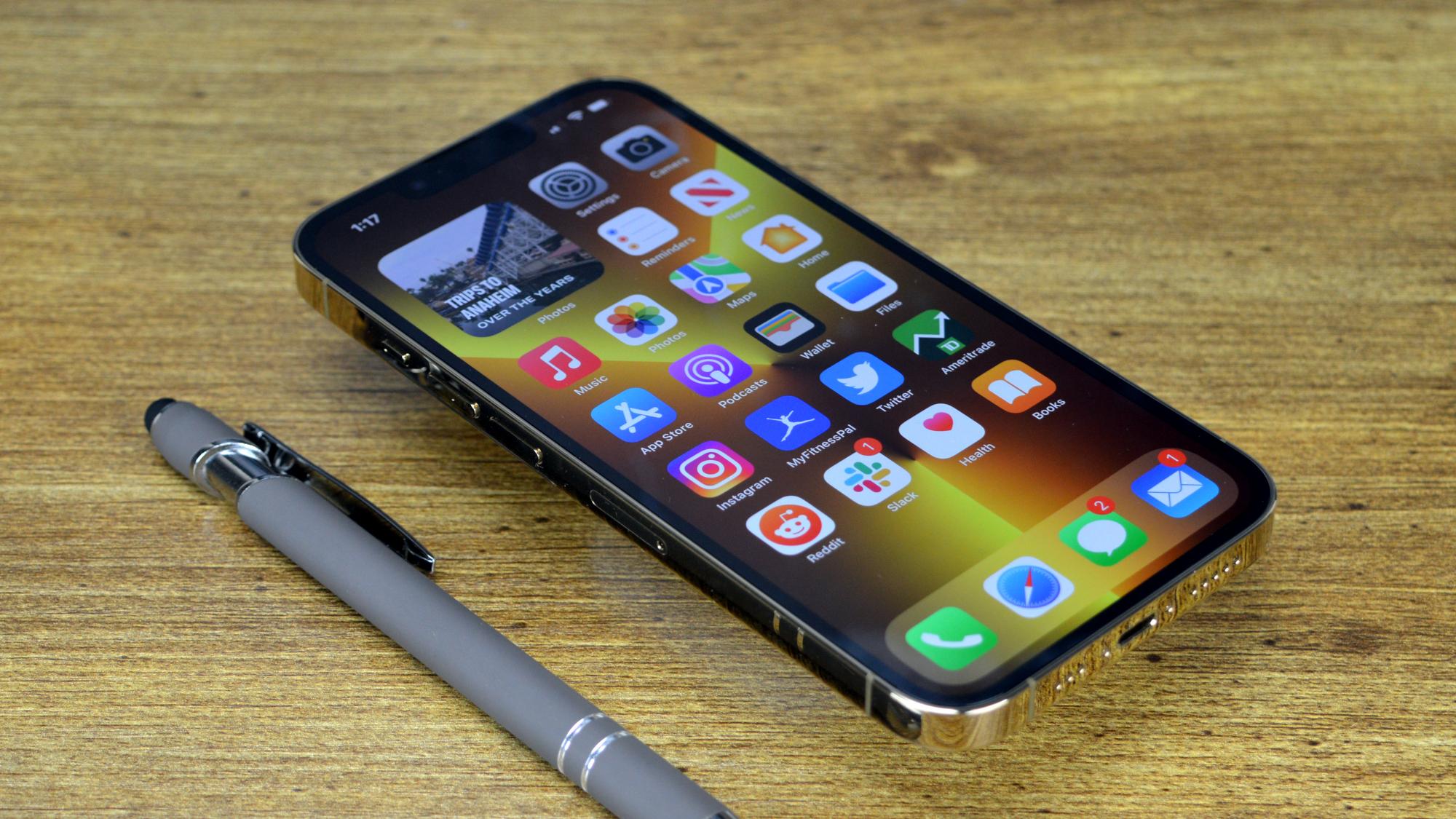 Apple baru saja membanting Android sambil mempertahankan kebijakan iPhone App Store-nya