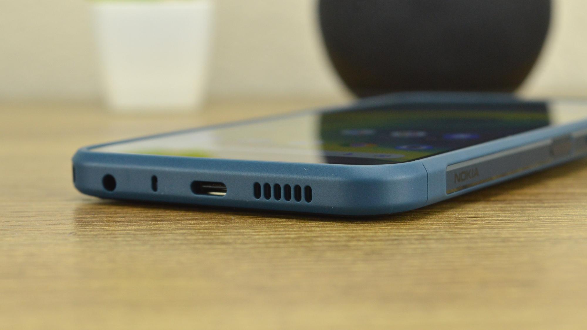 Nokia XR20 Bottom