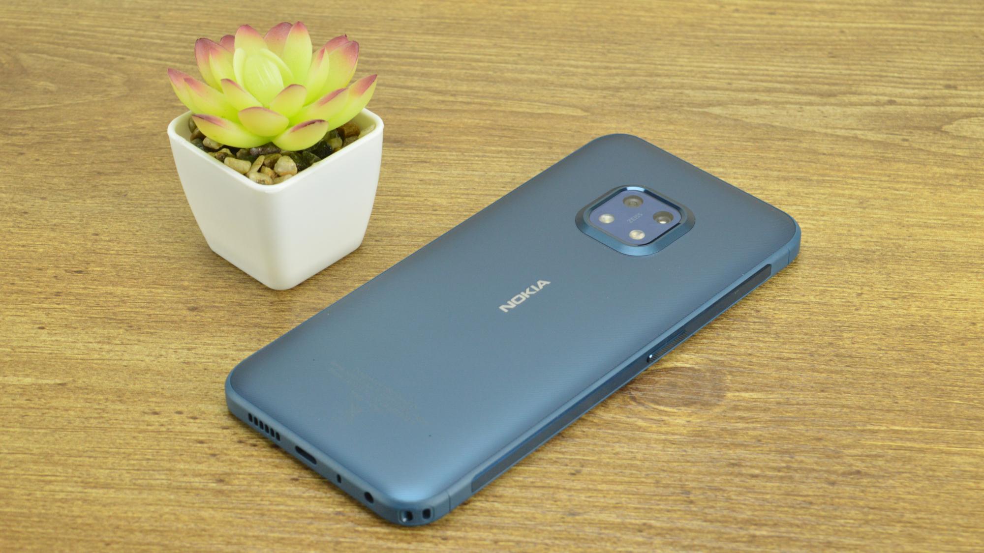 Nokia XR20 Back